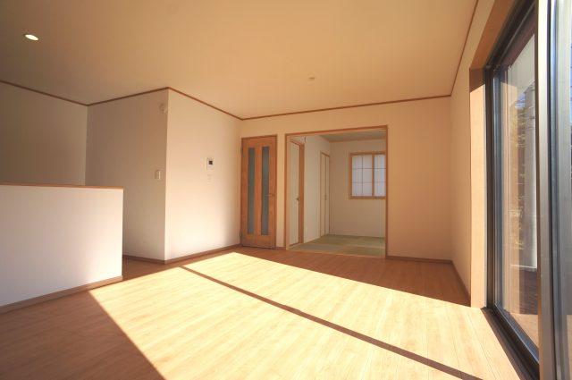 3号棟:16帖のリビング♪和室を4.5帖を開放すると20.5帖のワイド空間♪