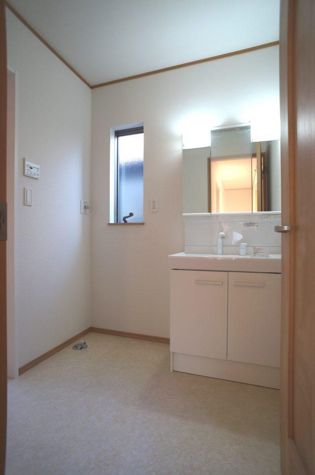 3号棟:2階に水まわりを設けたプラン。洗濯後のバルコニー移動が楽々です。