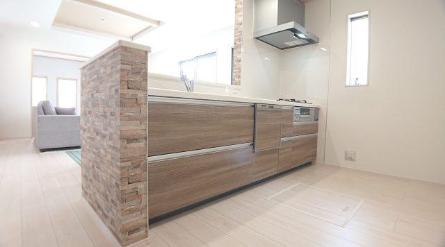 モデルハウスのキッチン画像です。